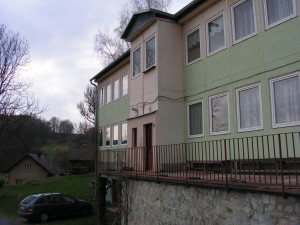 Budova z blízka